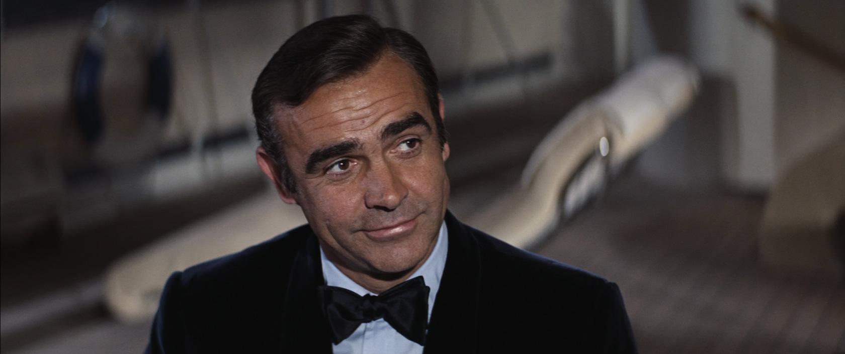 Velvet-James-Bond.jpg