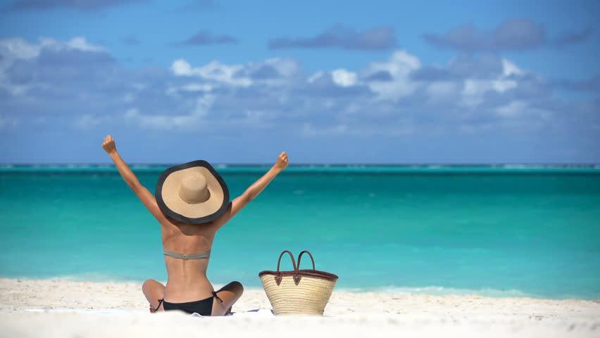 bathing-suit-and-beach-bag-.jpg