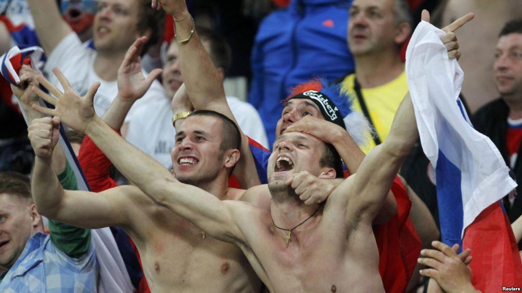 russian-soccer-fans-1-1.jpg