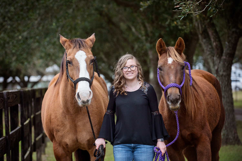 HORSE-SENIOR-PHOTO-KATY-TEXAS.jpg