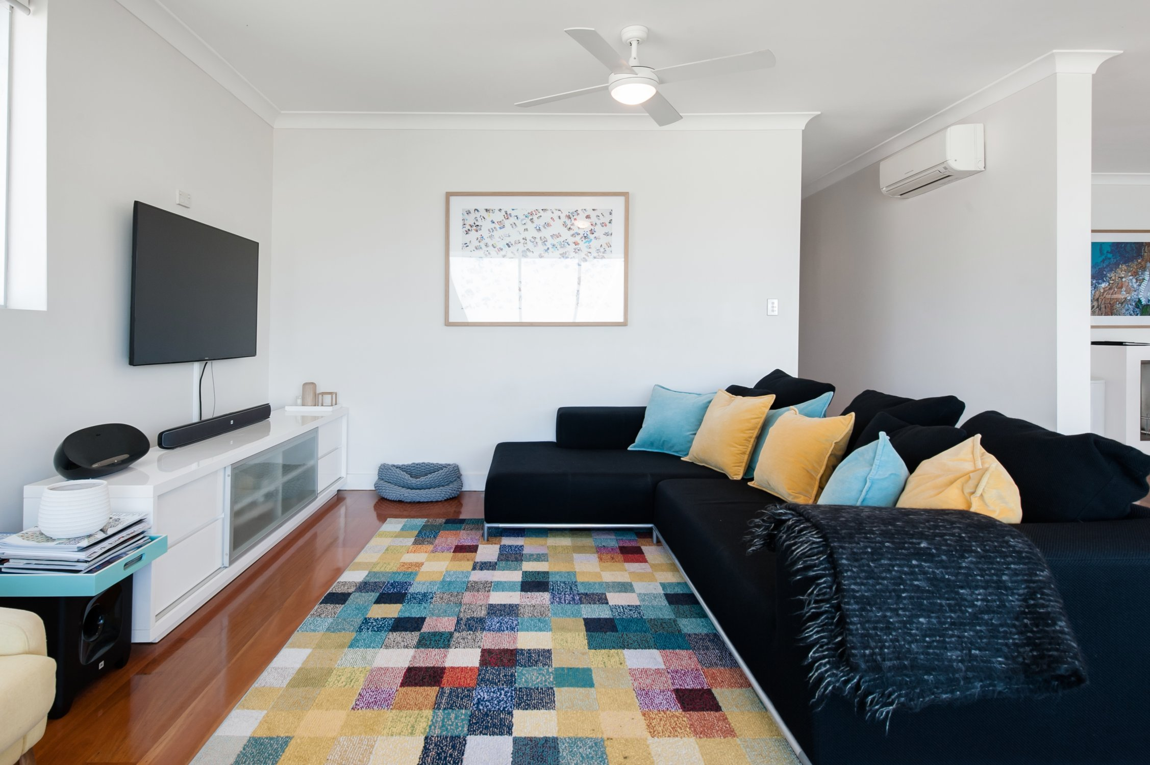 Kevin's place beachfront apartment. Bondi Beach Holiday Homes17.jpg