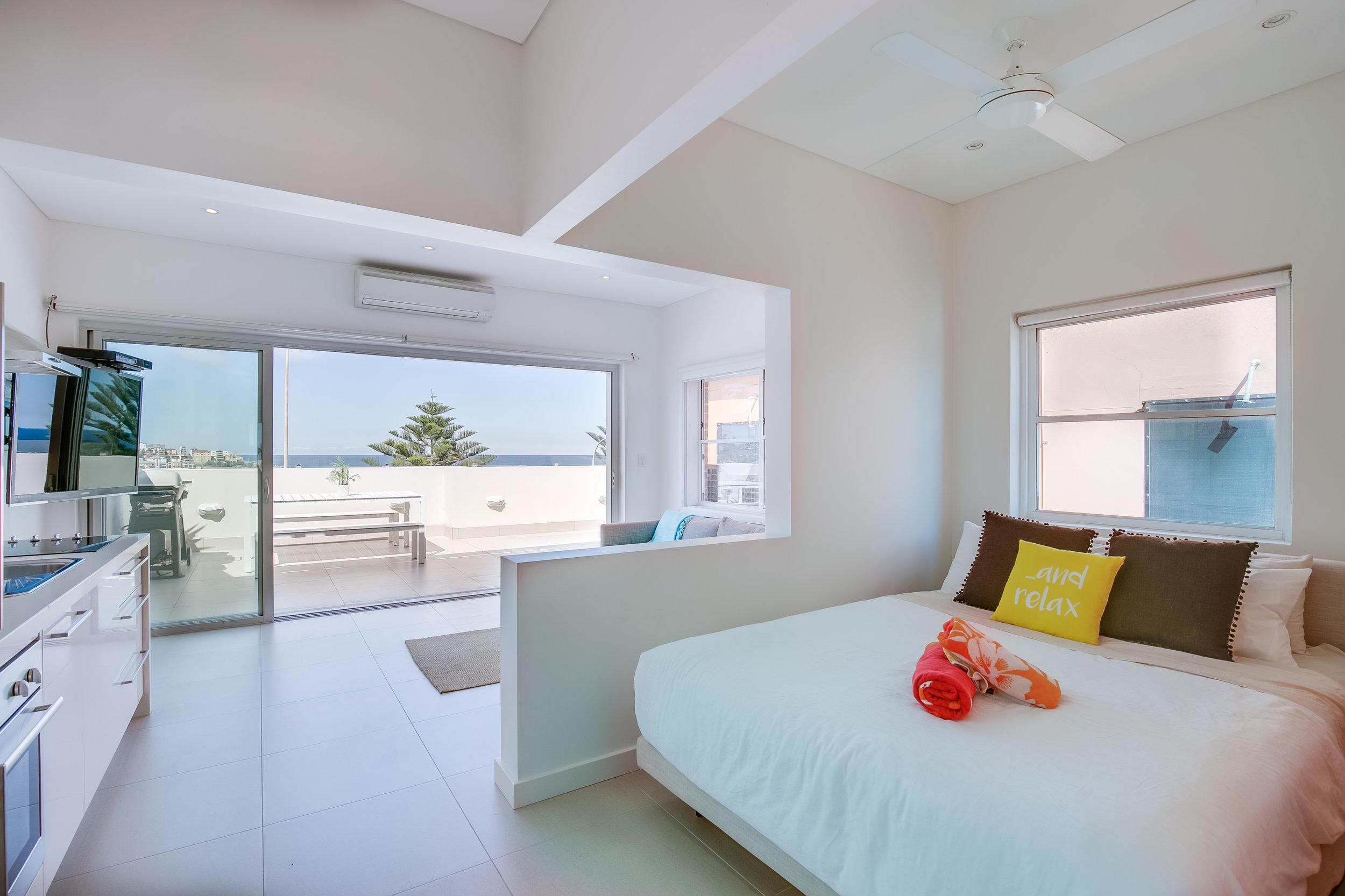 Bondi Beachfront Ocean View Apartment. Bondi Beach Holiday Homes 1.jpg