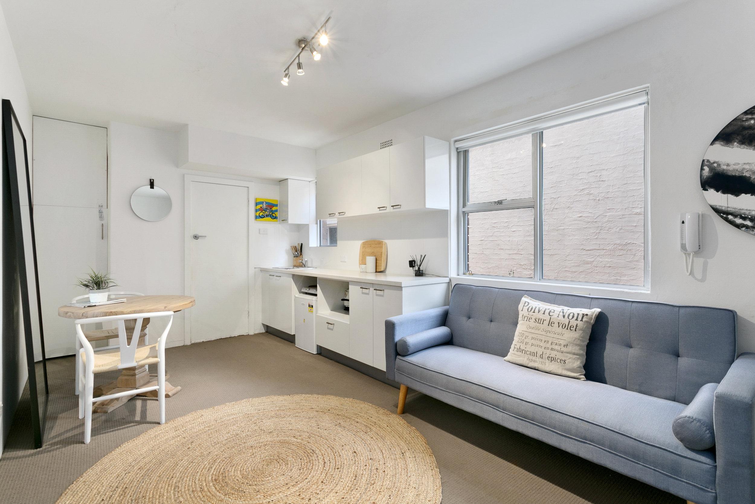 Bondi Beachy beachide apartment. Bondi Beach Holiday Homes.jpg