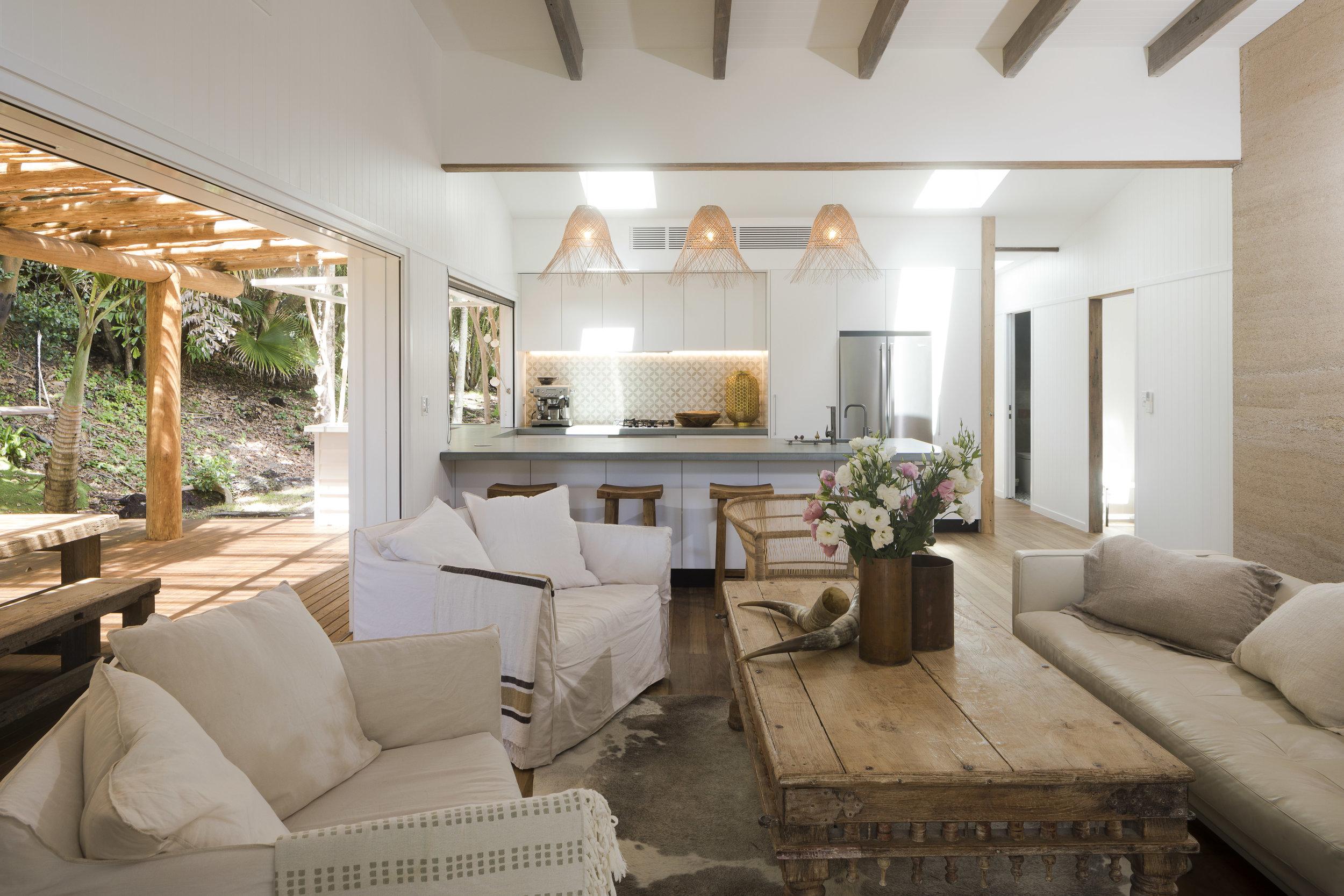 Eternity Beach House-Belongil Holiday House16.jpg