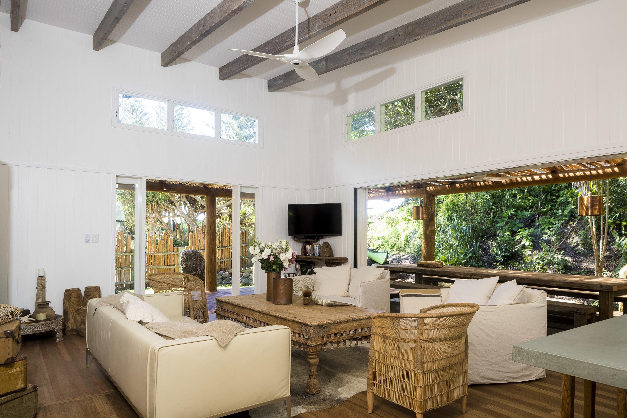 Eternity Beach House-Belongil Holiday House19.jpg