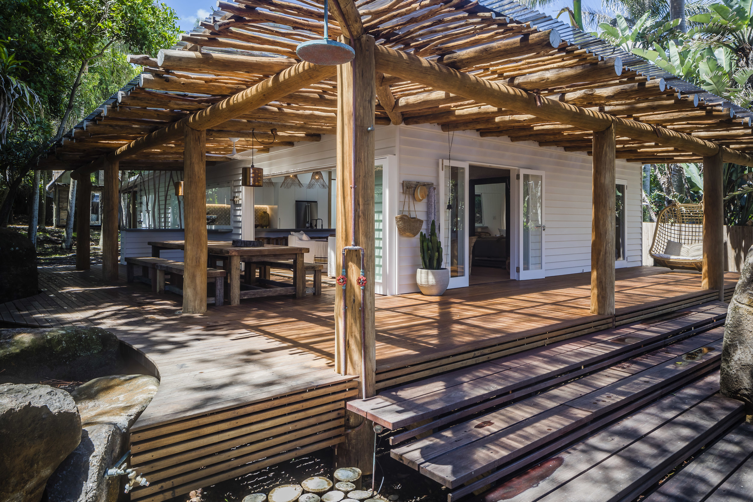 Eternity Beach House-Belongil Holiday House4.jpg