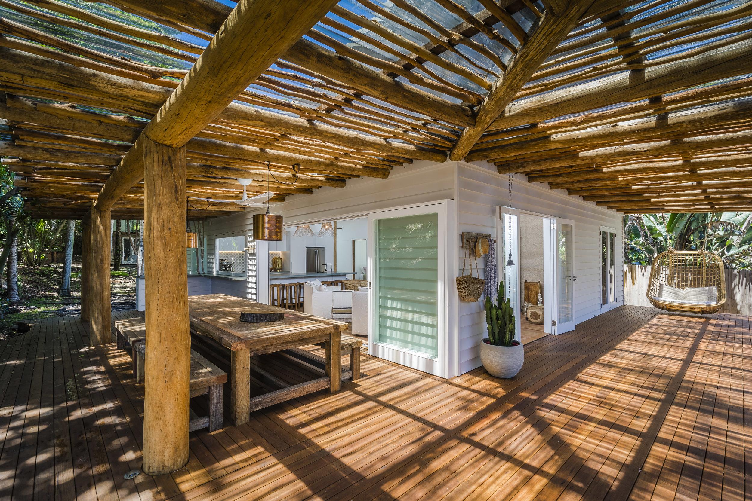 Eternity Beach House-Belongil Holiday House6.jpg