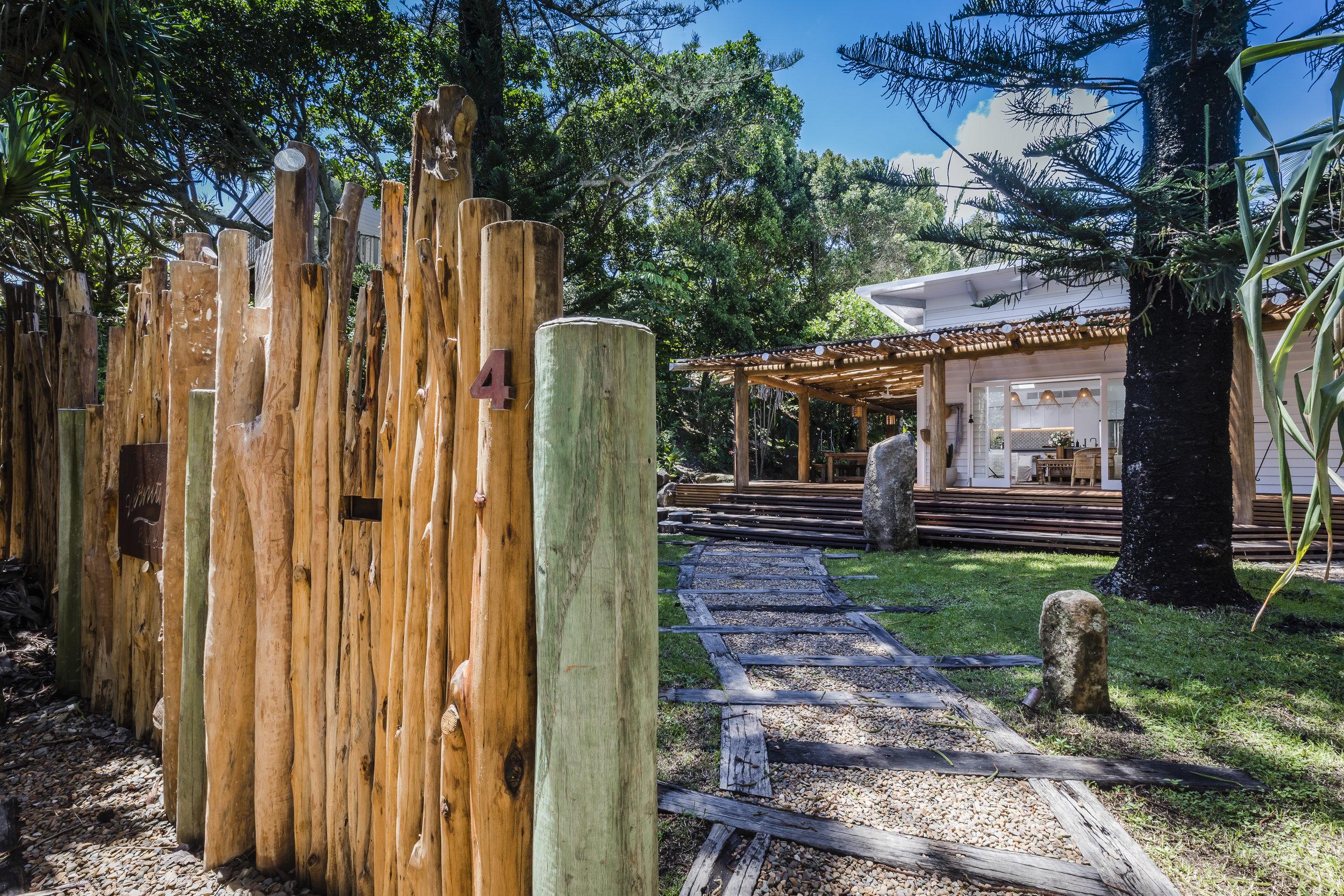 Eternity Beach House-Belongil Holiday House5.jpg
