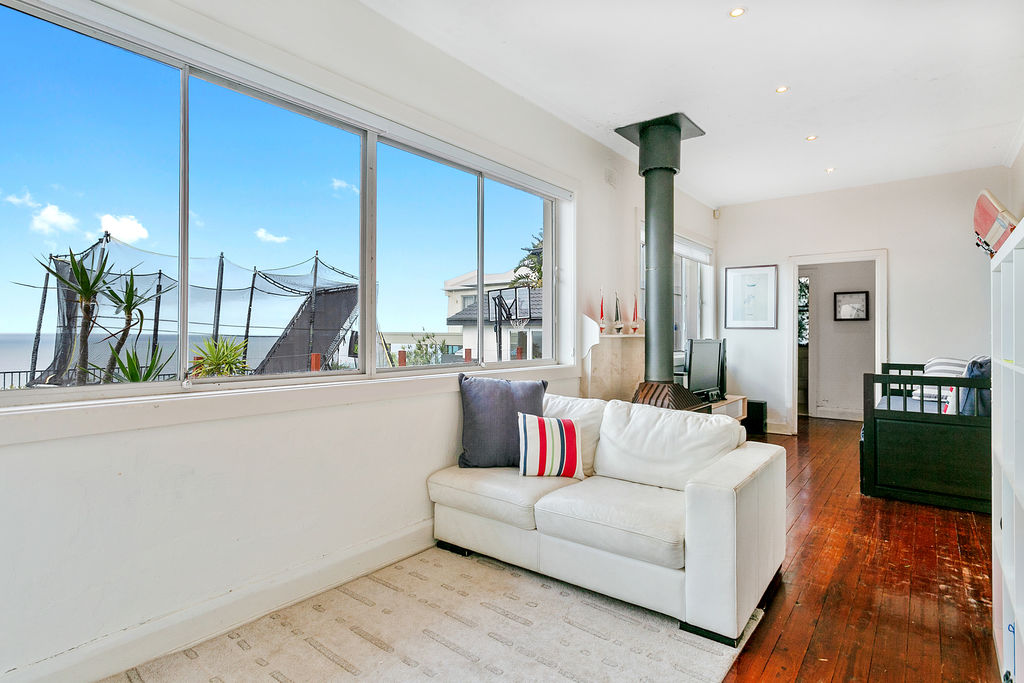 The view - Dover Height ocen view. Bondi Beach Holiday Homes7.jpg
