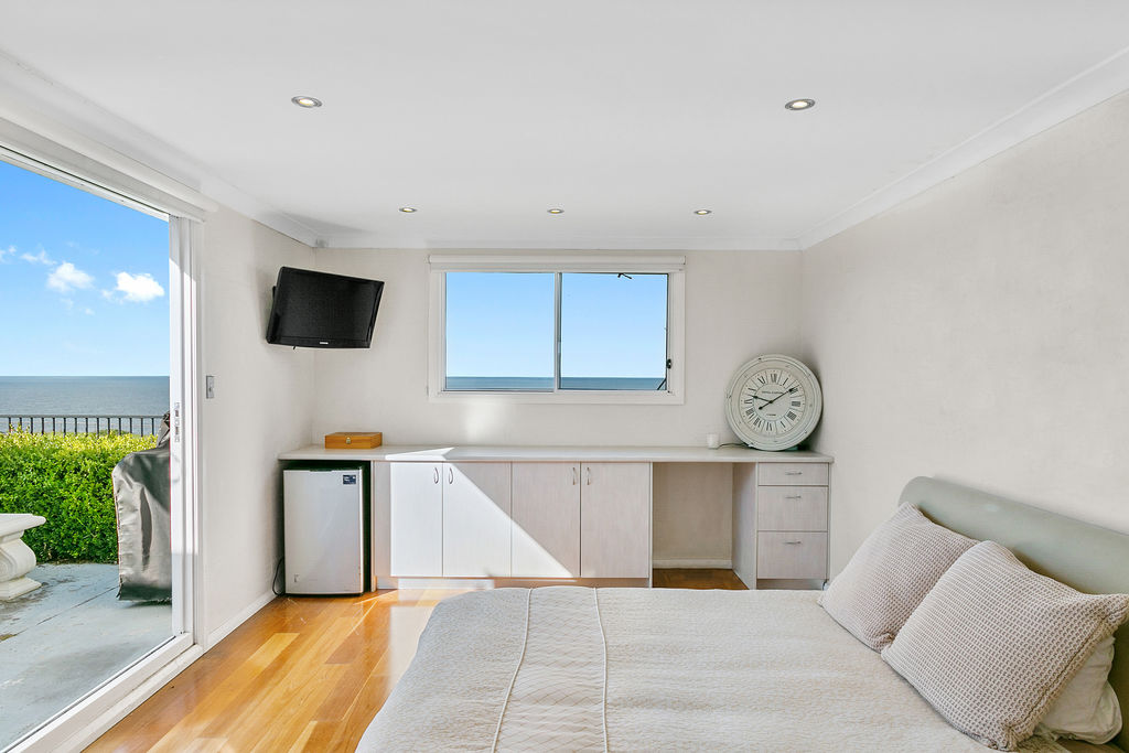 The view - Dover Height ocen view. Bondi Beach Holiday Homes.jpg
