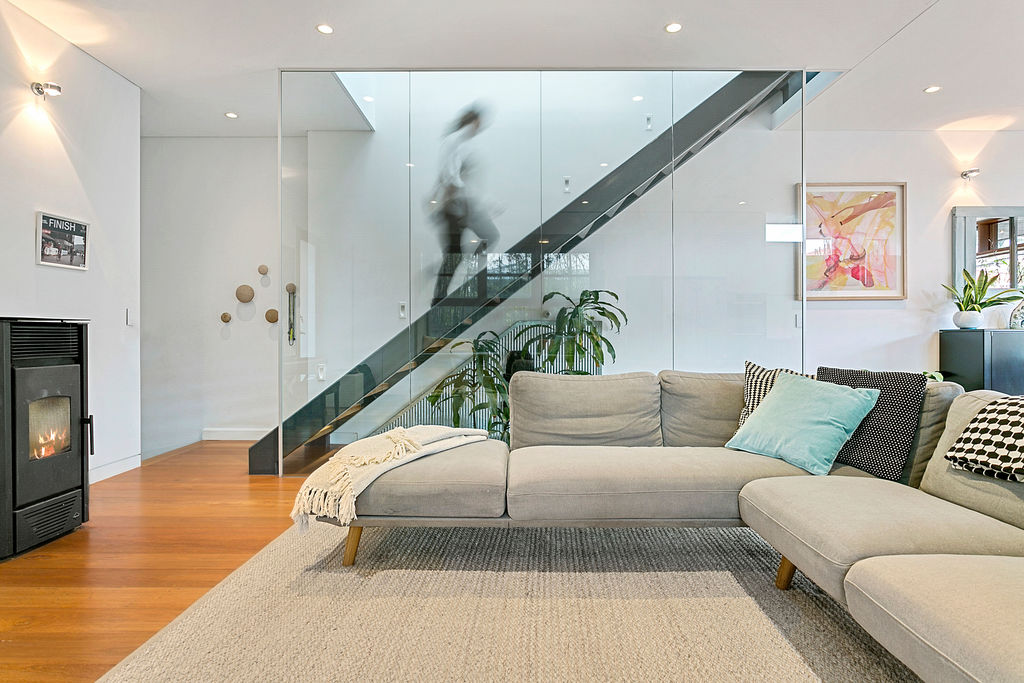 003_Open2view_ID531210-52_Glenayr_Avenue__North_Bondi.jpg