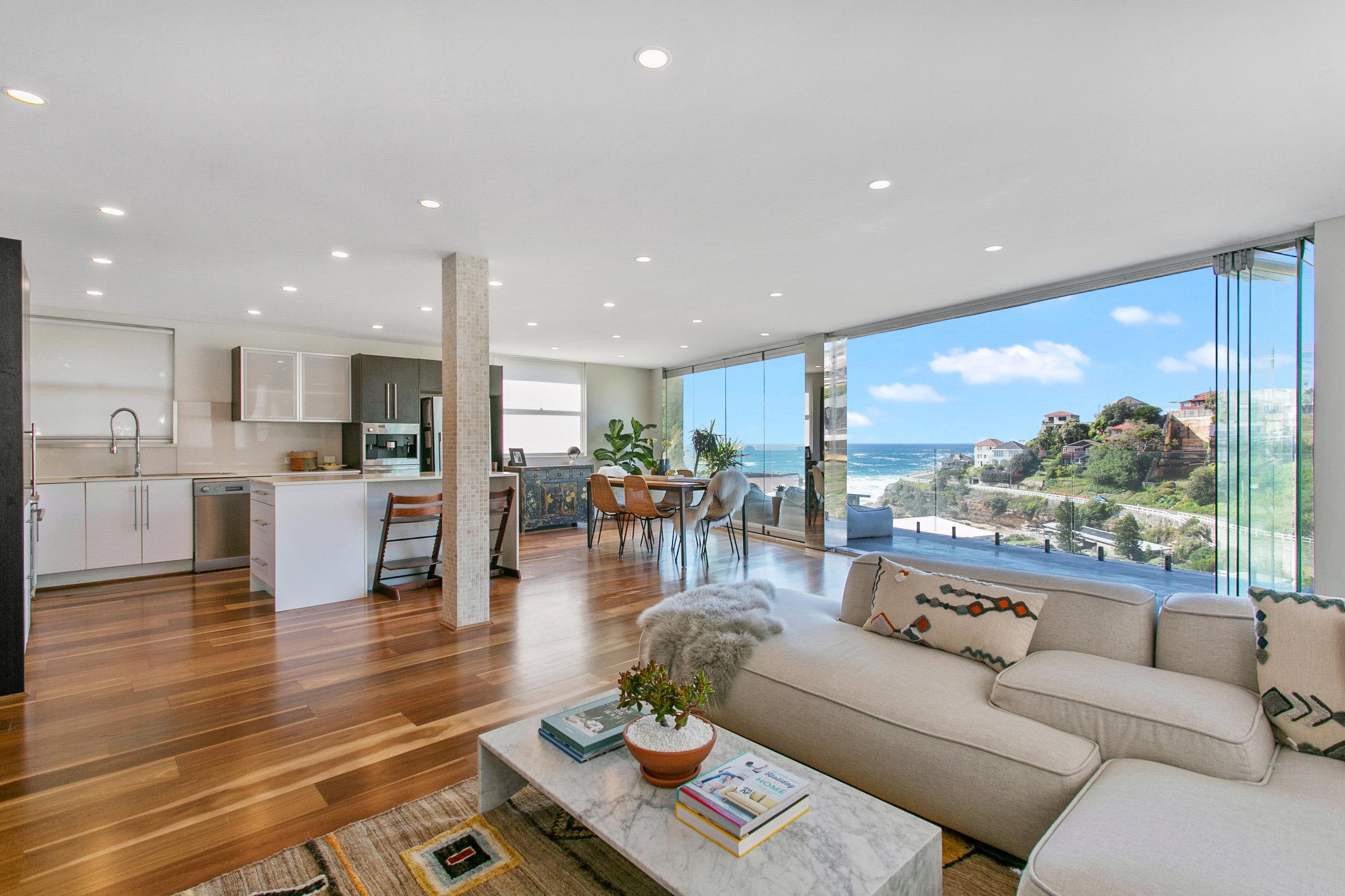 The Penthouse Tamarama ocean view. Bondi Beach Holiday Homes1.jpg