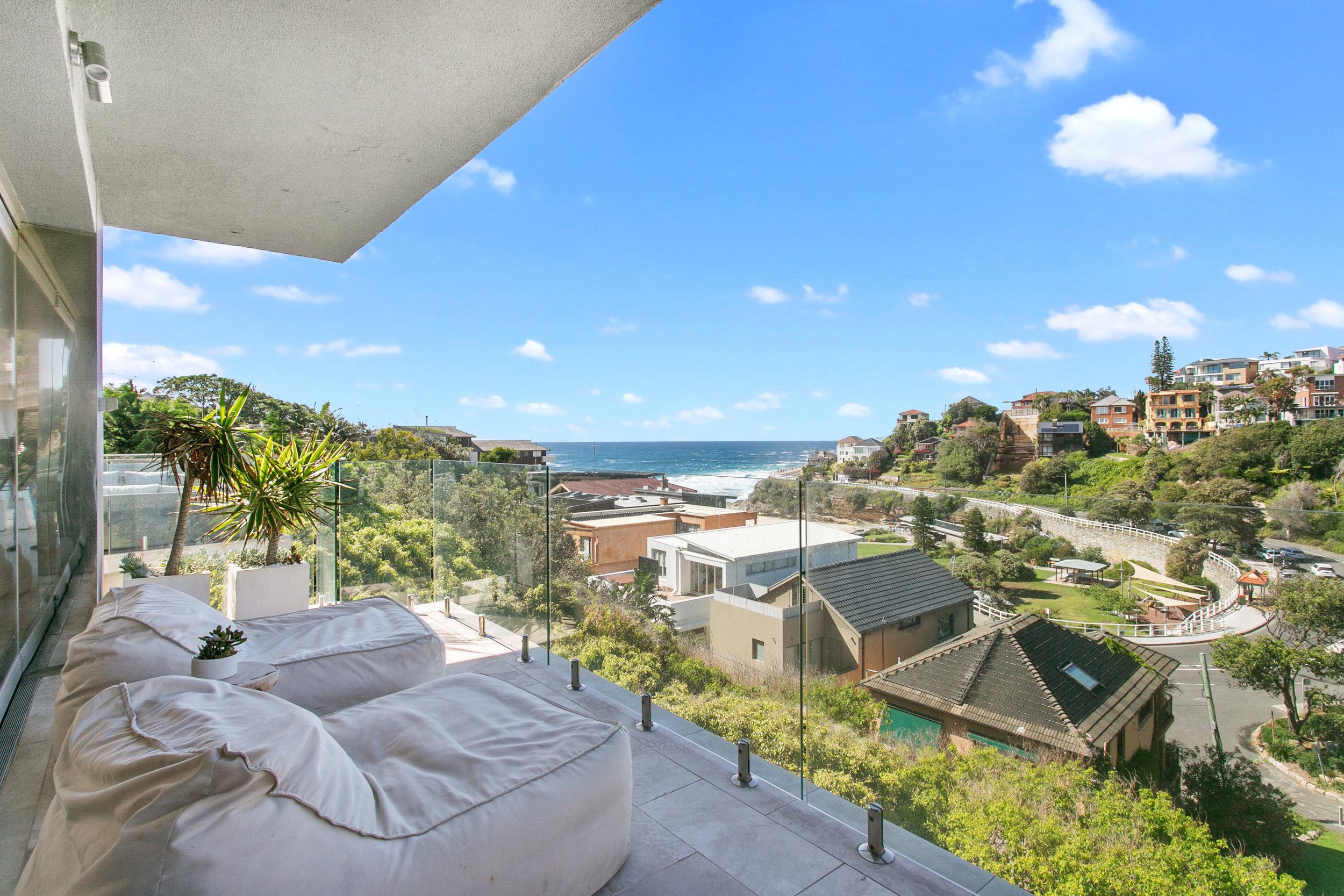 The Penthouse Tamarama ocean view. Bondi Beach Holiday Homes4.jpg
