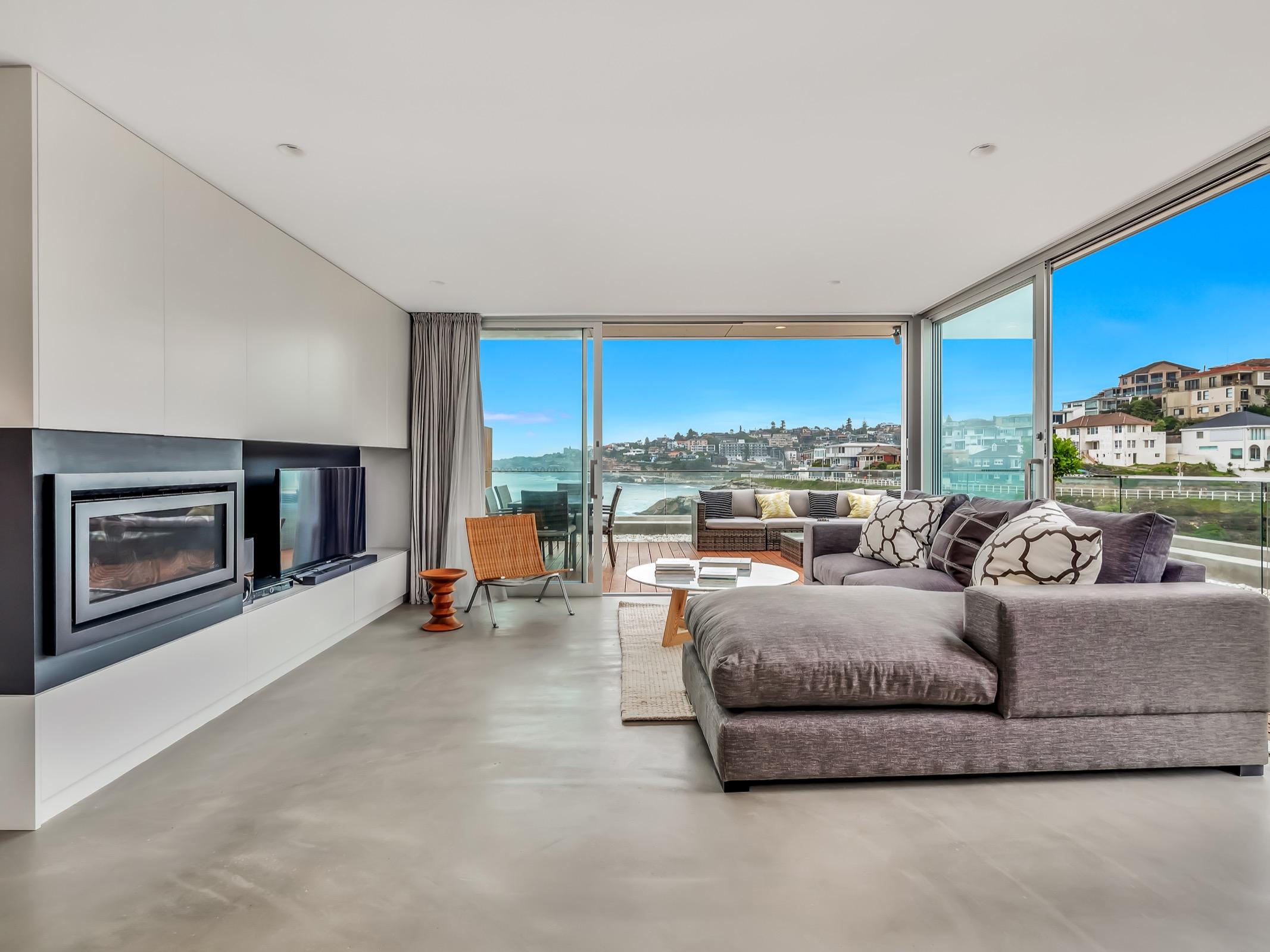 Beachfrotnt Penthouse Tamarama. Bondi Beach Holiday Homes6.jpg