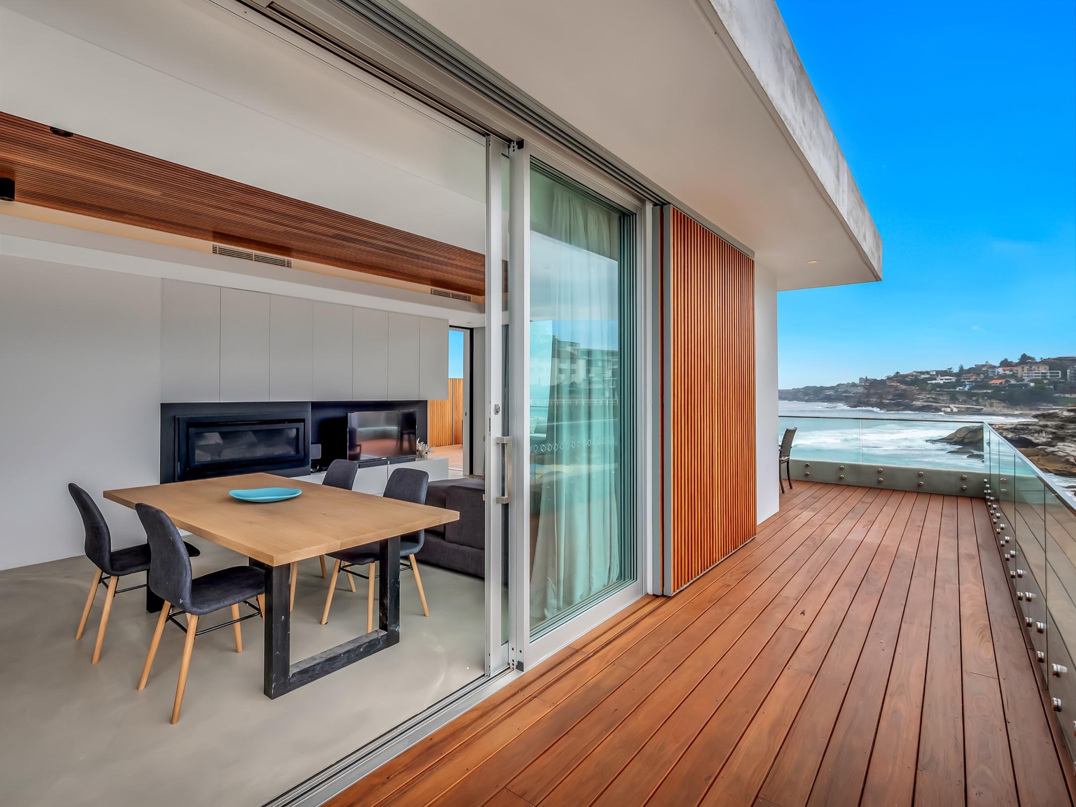 Beachfront Suite Tamarama. Bondi Beach Holiday Homes11.jpg
