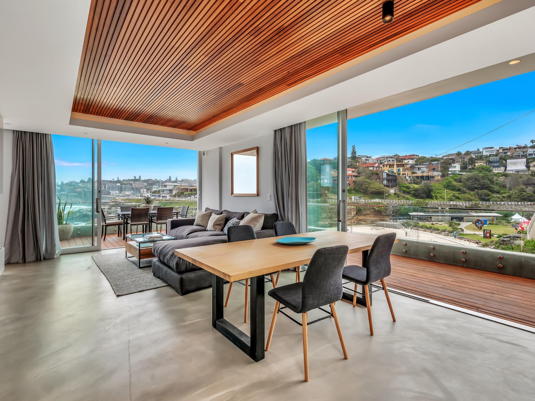 Beachfront Suite Tamarama. Bondi Beach Holiday Homes16.jpg