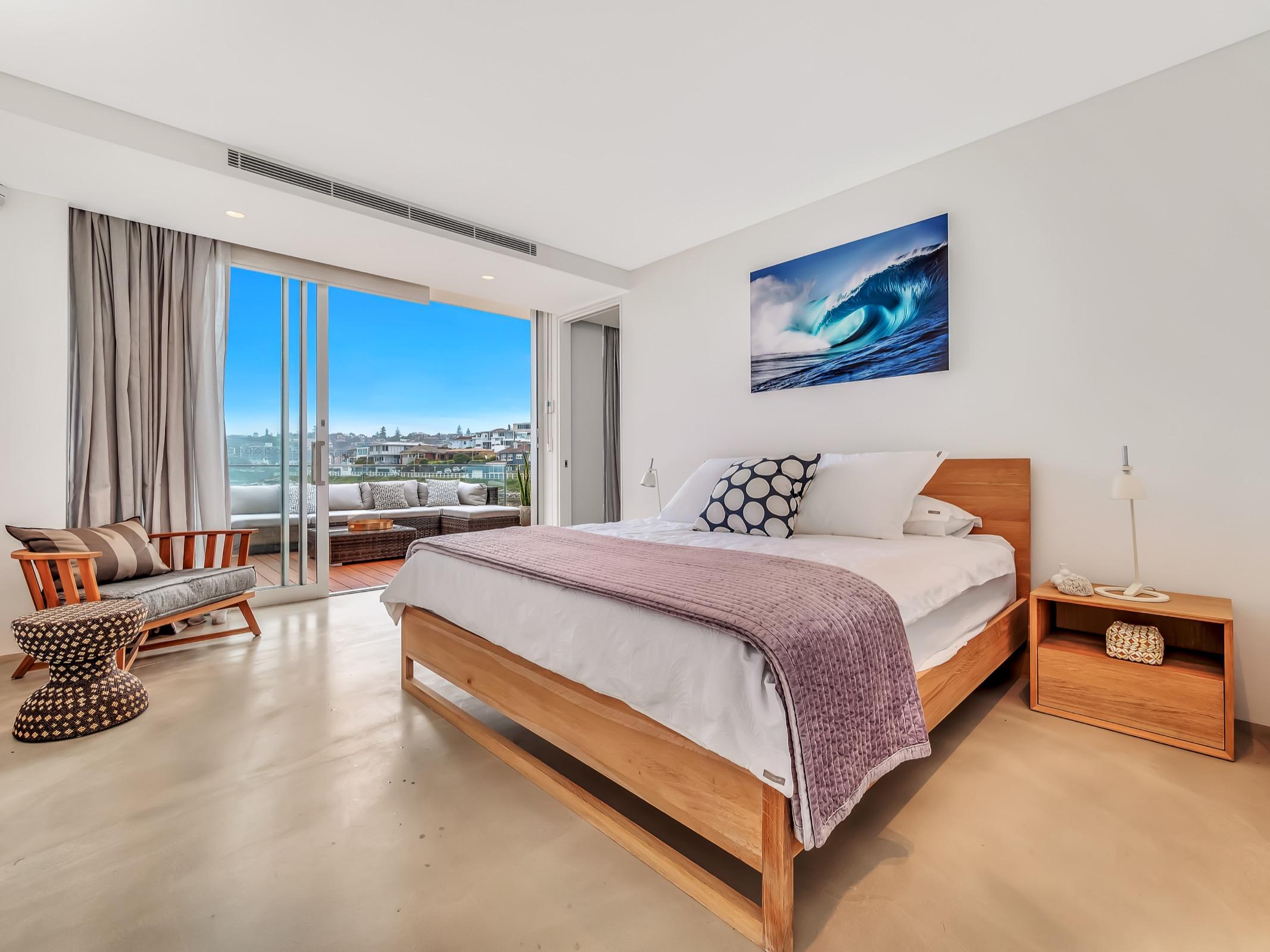 Beachfront Suite Tamarama. Bondi Beach Holiday Homes19.jpg