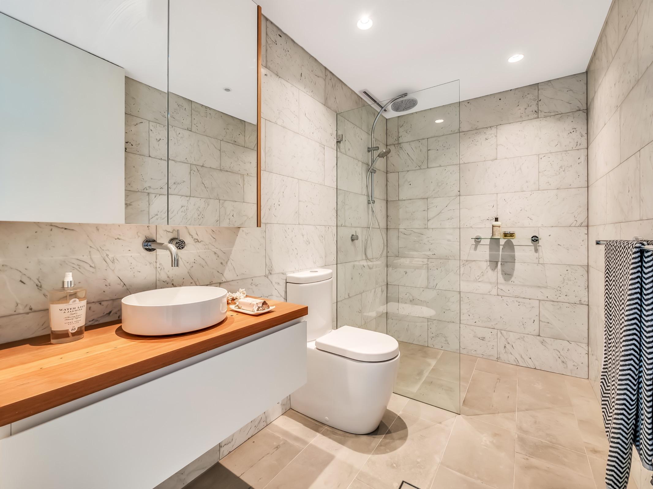 Beachfront Suite Tamarama. Bondi Beach Holiday Homes21.jpg