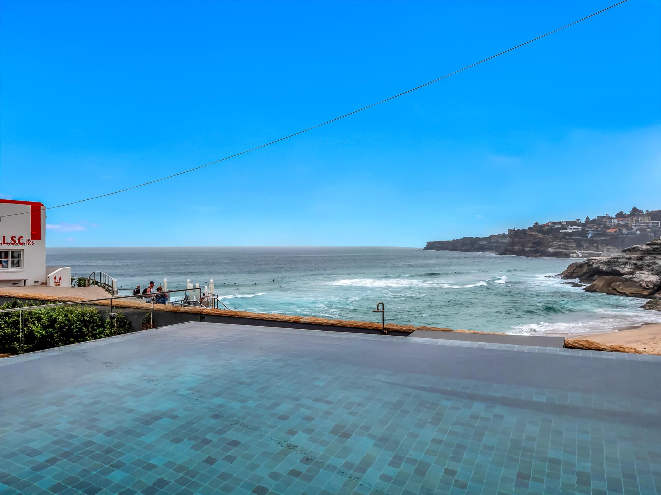 Beachfront Tamarama Residence. Bondi Beach Holiday Homes2.jpg