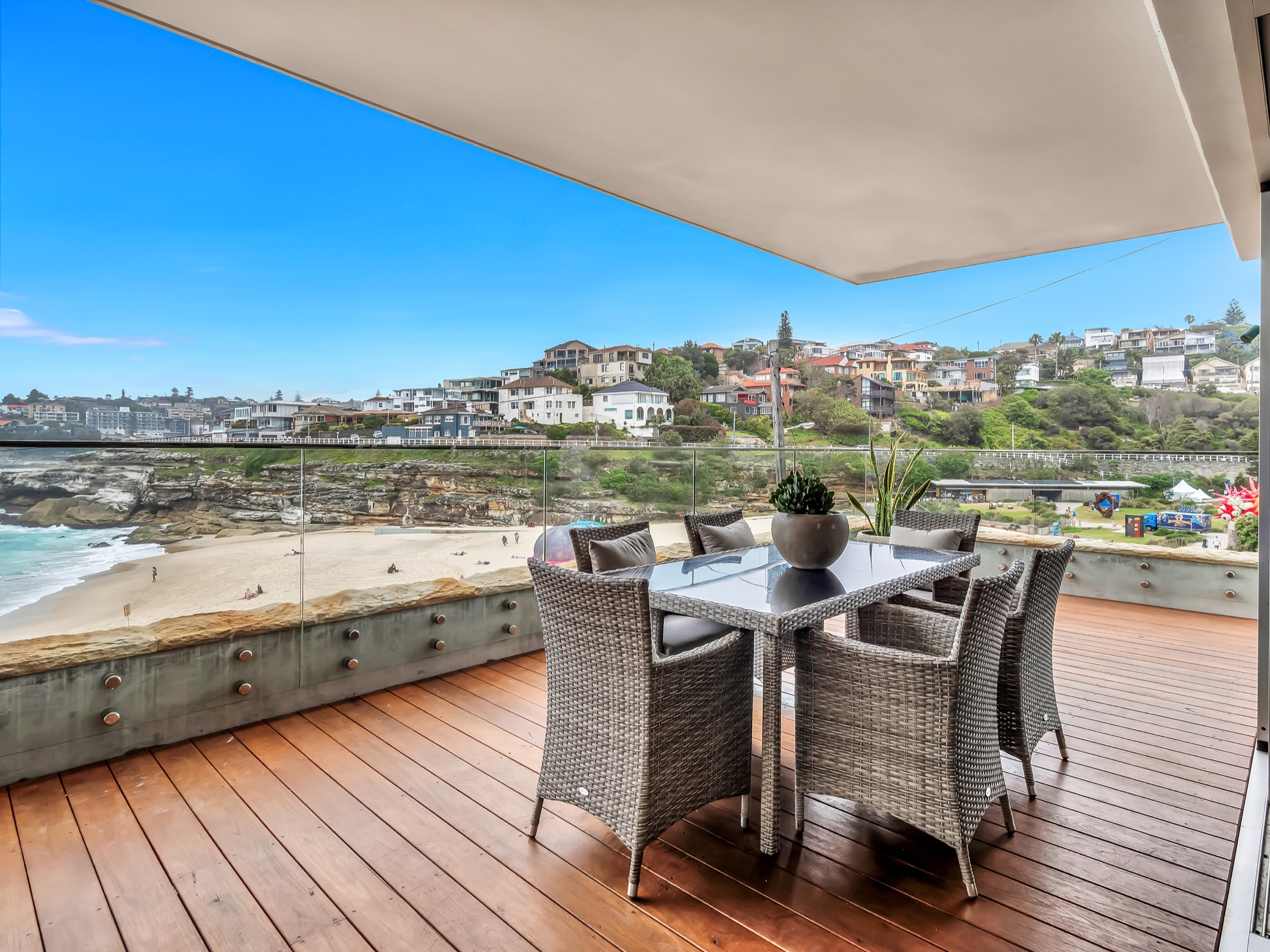 Beachfront Tamarama Residence. Bondi Beach Holiday Homes13.jpg