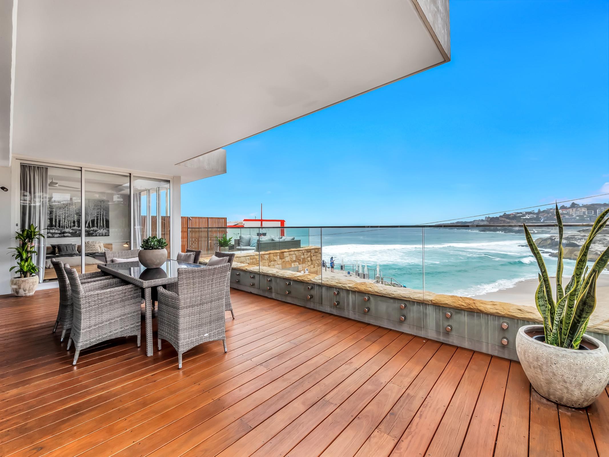 Beachfront Tamarama Residence. Bondi Beach Holiday Homes14.jpg