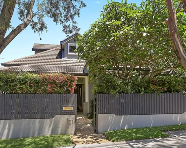 Bondi Adobe. Bondi beach Holiday Homes.jpg
