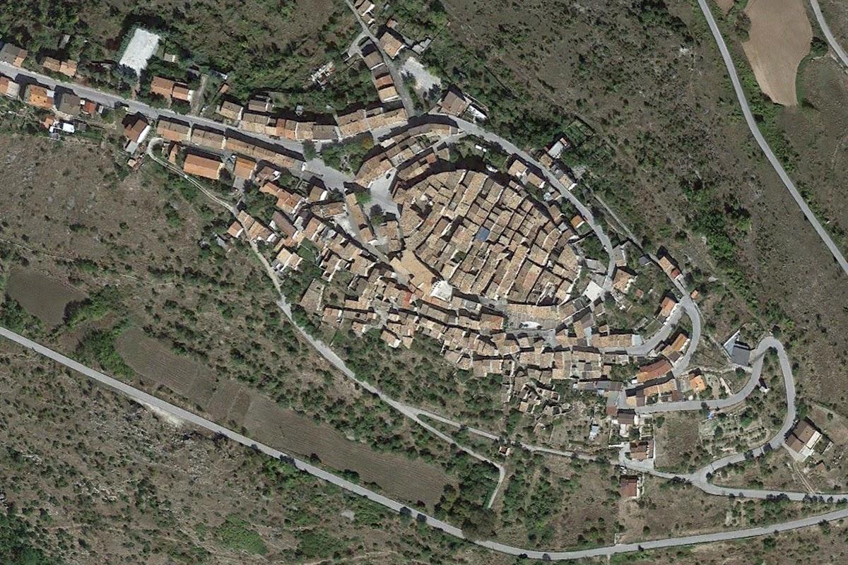 Castelvecchio_Calvisio_Google_01_sm.jpg