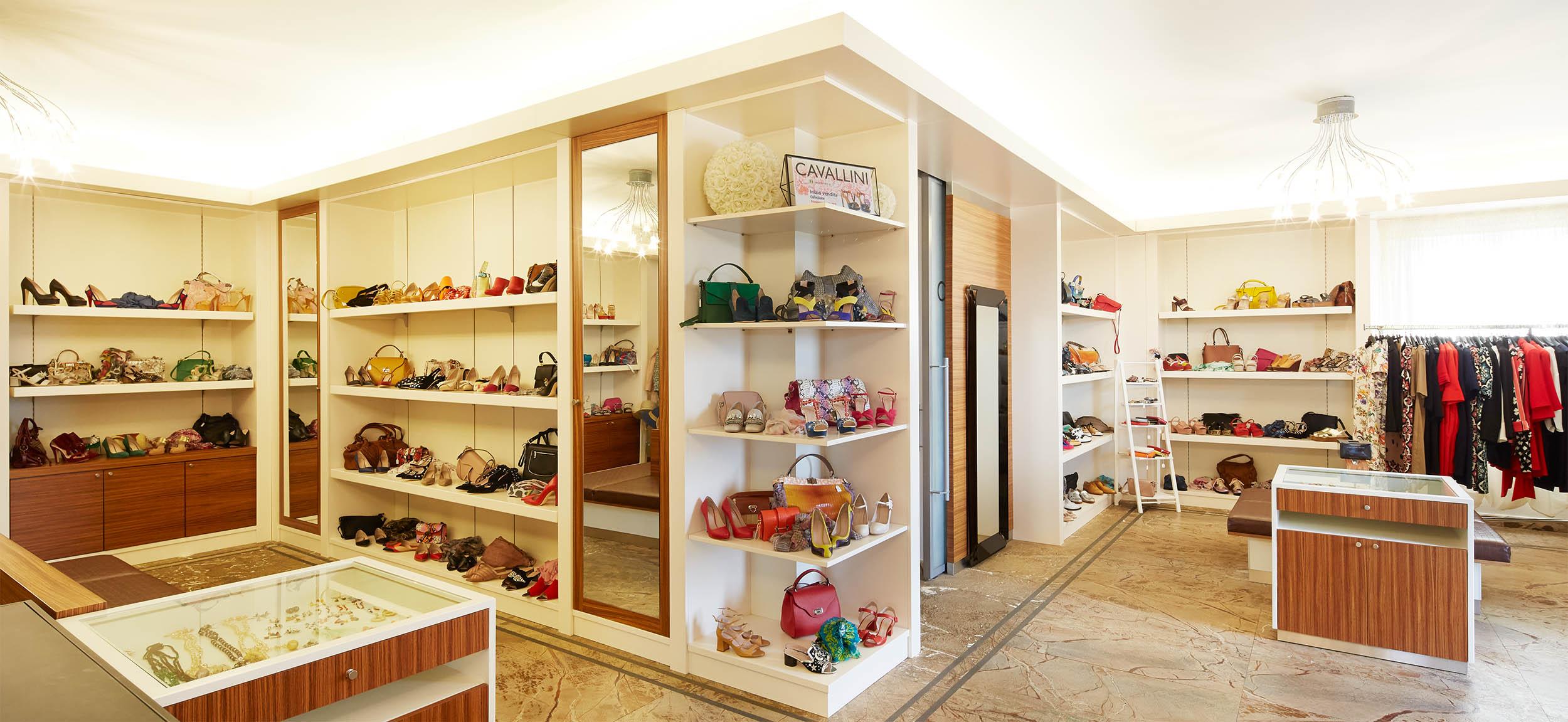 ….Our Showroom ..Il nostro showroom…. -