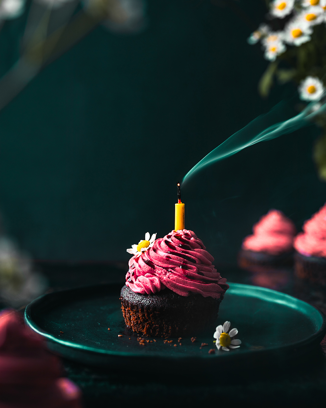 Recipe Photography - Kamile Kave - Cupcake with the burning candle.jpg