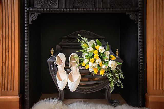 Your story begins with the wedding details 💍  #weddingphotography #londonweddingphotographer #weddingphotos #weddingday #wedding #realwedding #weddingdetails. #weddingflorals #Destinationweddingphotographer #weddingshoes #weddingphotographeruk #bridetobe #engaged #bridestobe2019 #thedailywedding #elegantwedding #luxewedding #weddingideas#weddinginspo #bridetobe #love #gorgeous #fineartweddings #erikarimkutephotography
