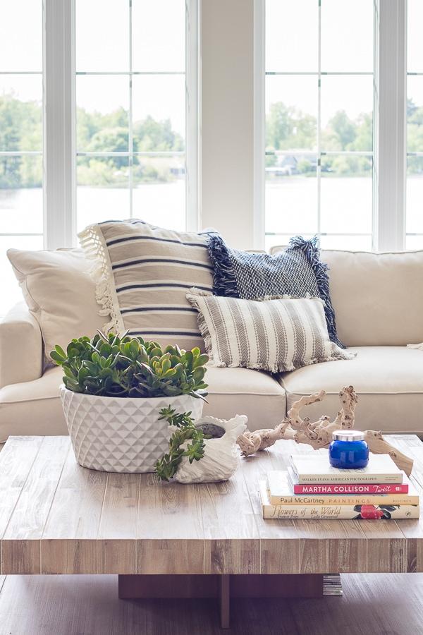 white-lake-house-living-room-decor-26.jpg