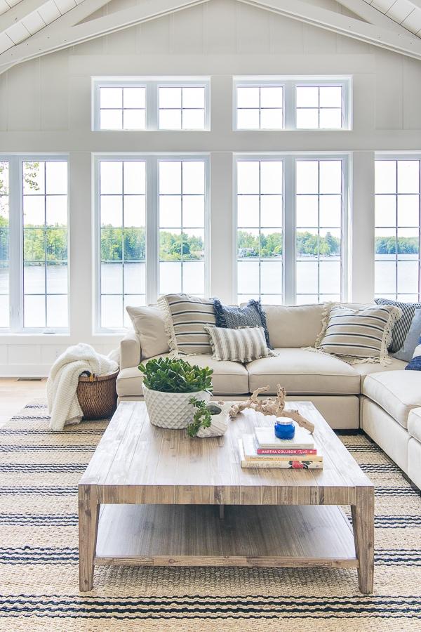 white-lake-house-living-room-decor-1.jpg