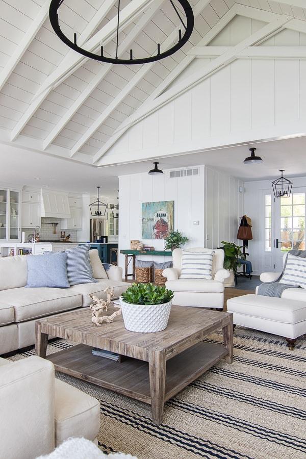 white-lake-house-living-room-decor-21.jpg