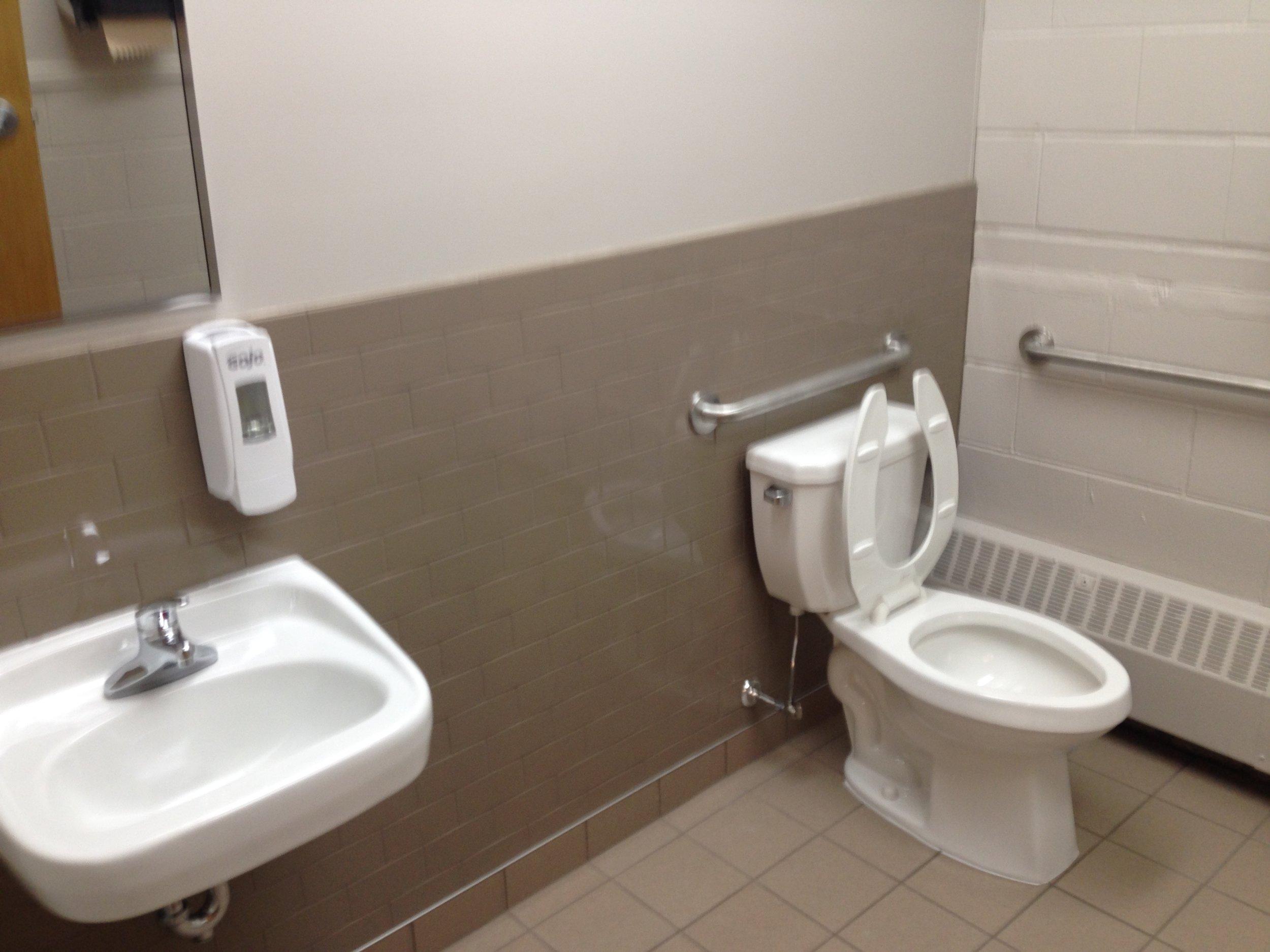 Photos Bathroom 047.JPG