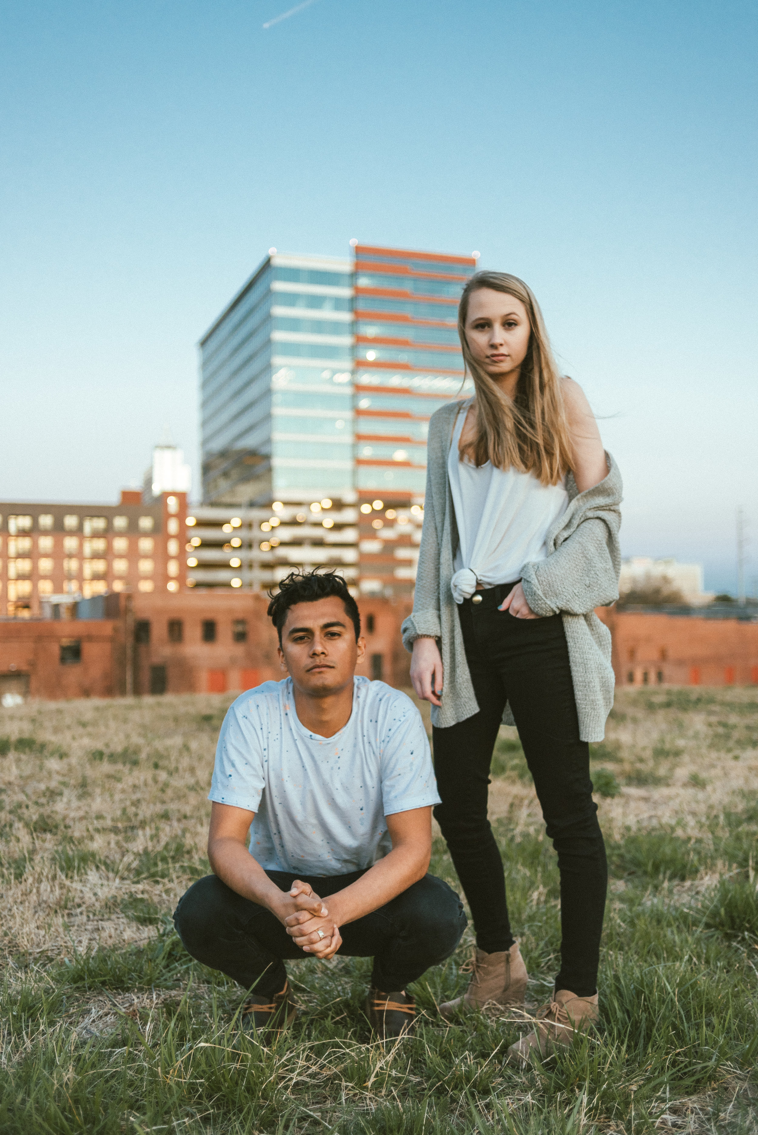 rose gold - Rose Gold, the first collaboration between newcomers Au Lune and Christina Munsey, resonates with 808 drops, analog atmospheric textures and future bass inspired stabs and rhythms. Christina's dreamy vocals blends seamlessly with Au Lune's atmospheric trap style drop, rhythmic beats, and haunting melodies.