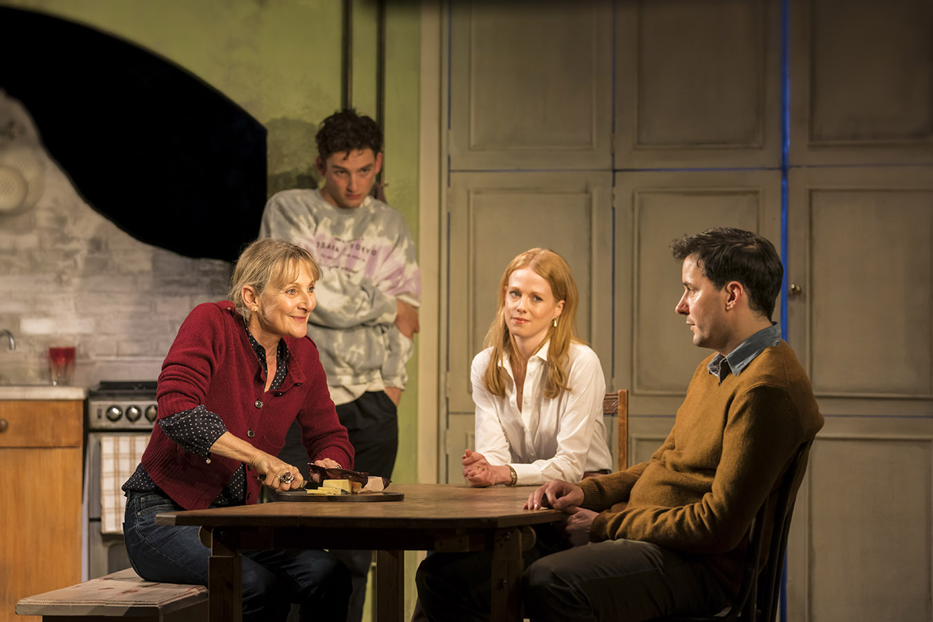 Lesley Sharp, Laurie Davidson, Zoe Boyle and Sam Swainsbury photographed by Johan Persson