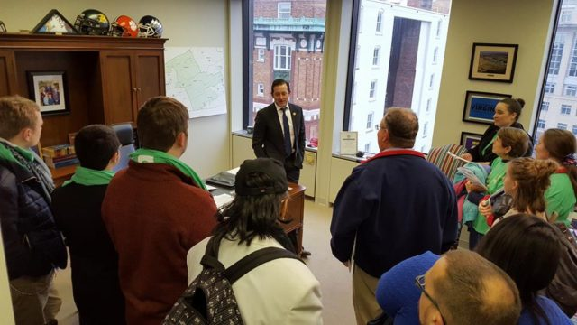 Delegate Pillion meeting with constituents in Richmond.