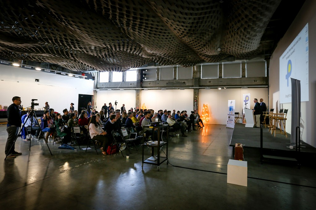 SpeedLURNing - SpeedLURNing is a special event hosted by LURN that examines a key issue in urban areas in quick spurts of dialogue. The event results in creative ideas from the multi-disciplinary group of guests, but it also naturally facilitates introductions between participants that often real new professional partnerships.