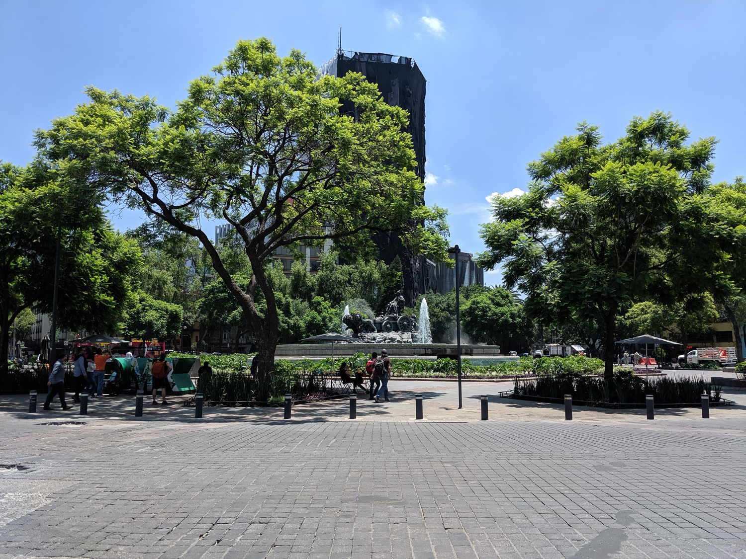 It wasn't just the public space itself, but also the use of it, specifically by street vendors. In CDMX, we found that there were highly regulated systems, both formally and informally. Marco translated a few conversations with vendors in Chapultepec Park.