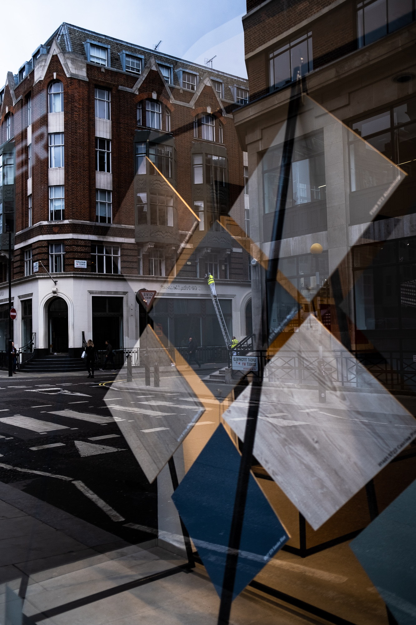 Geometry, reflections and a man on a ladder
