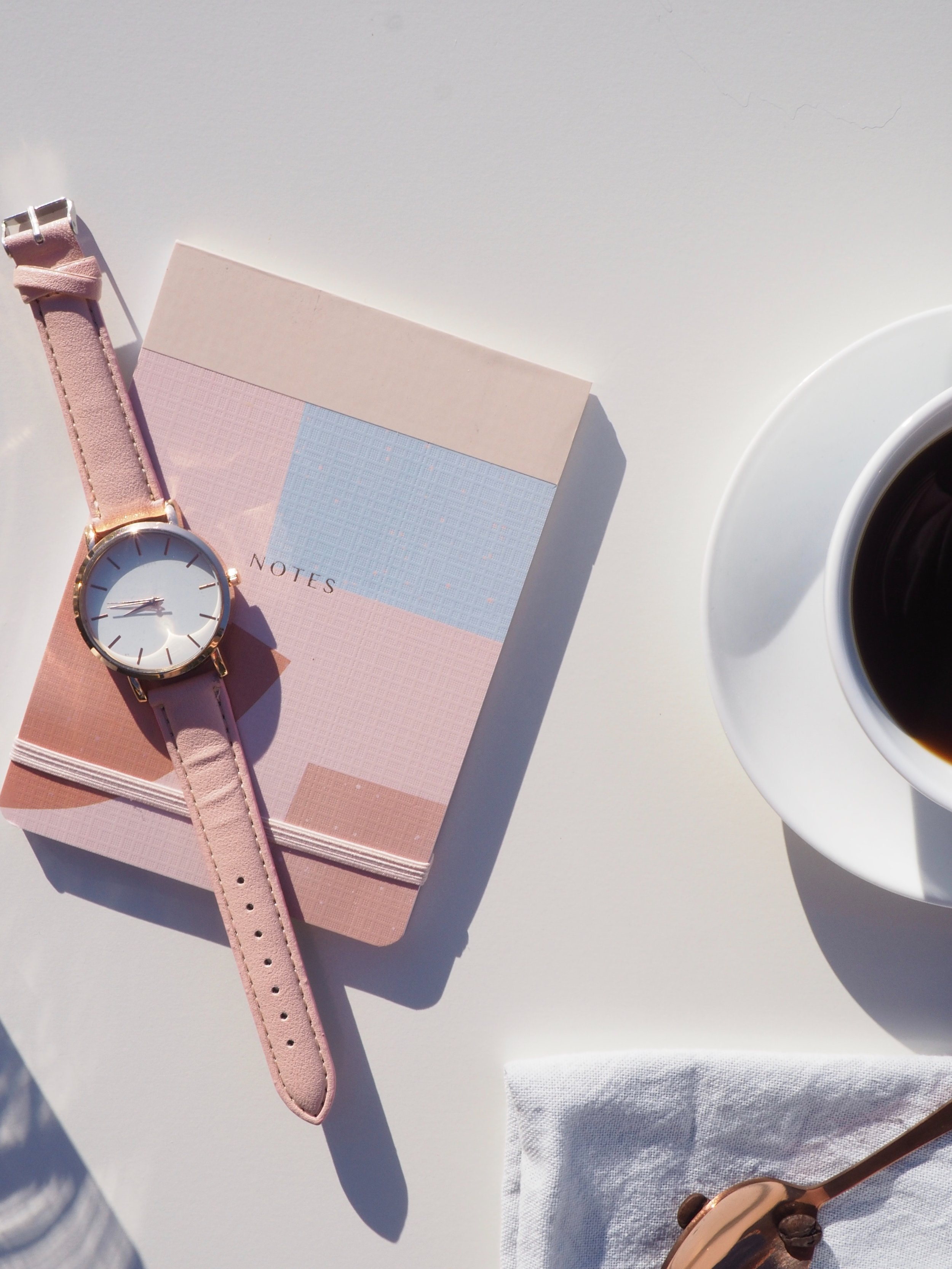 analog-watch-background-close-up-1162519.jpg