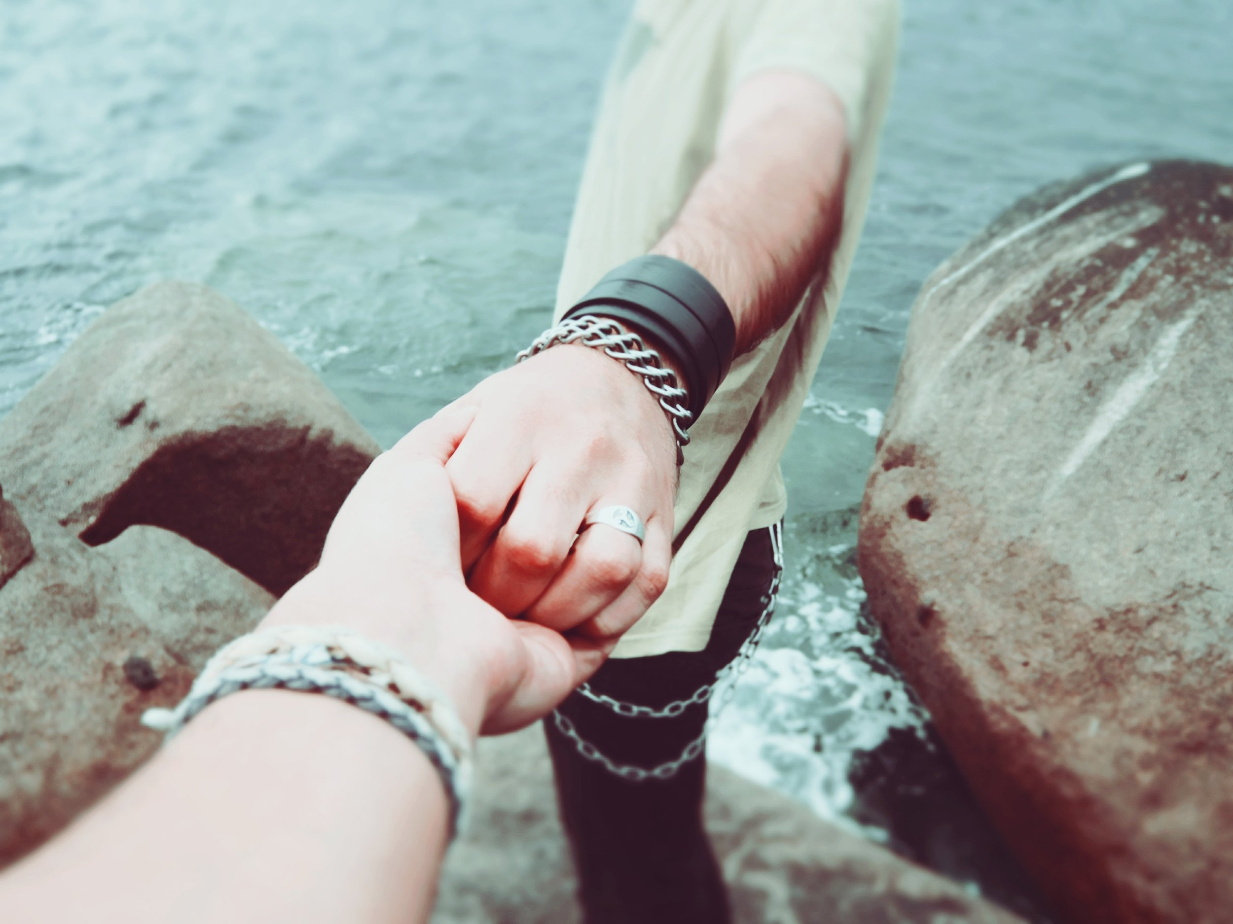 couple-follow-me-friendship-7707.jpg