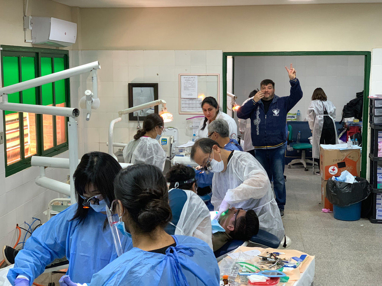 The only guy not working in this picture is Dr. Roberto Cardoza, Dental Clinic Director at the hospital. Just kidding! Thank you Dr. Roberto for constantly troubleshooting,  fixing dental chairs, compressors, lights, autoclaves so we can continue to see patients.
