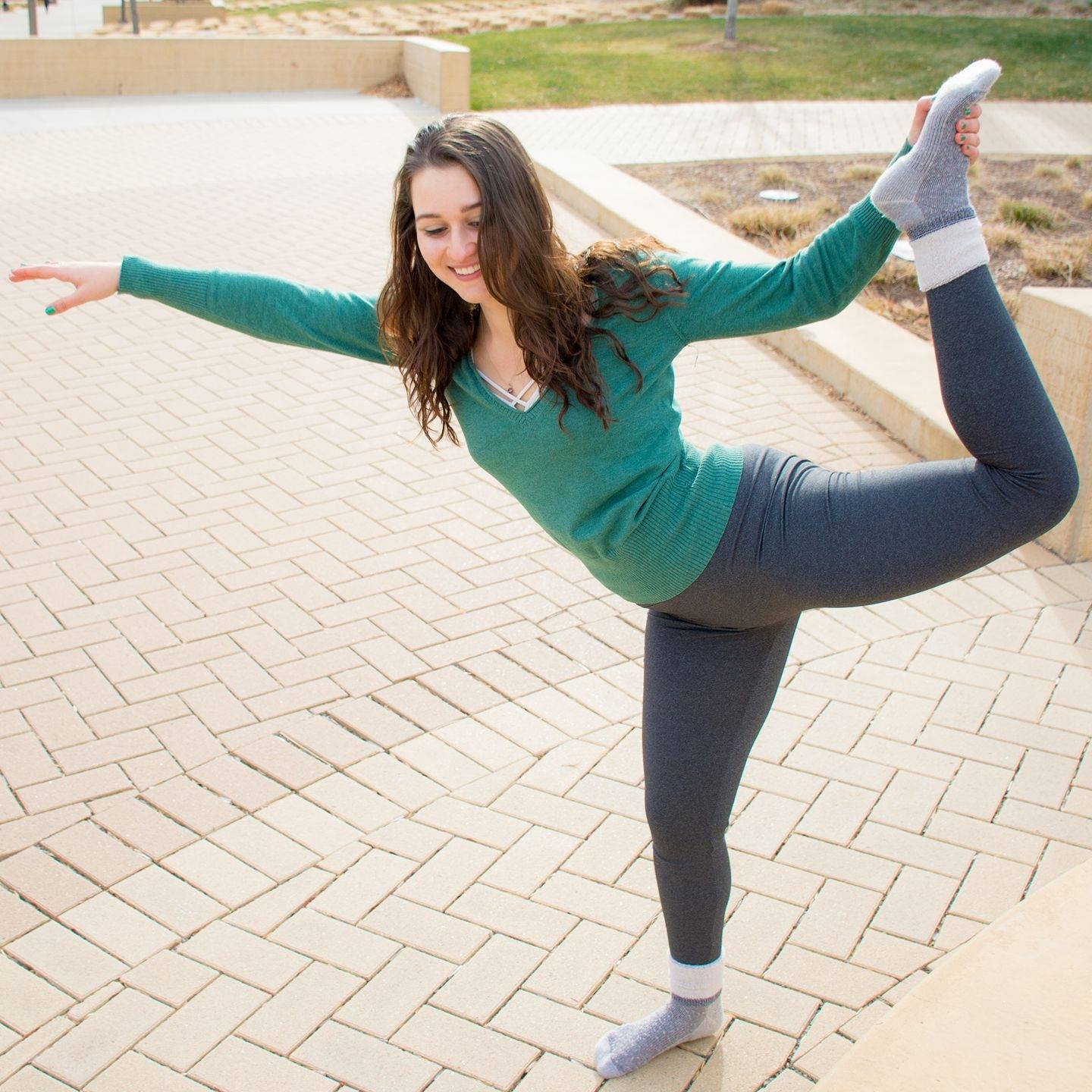 16627388_2_Falling_out_of_YogaPose_Leah.jpg