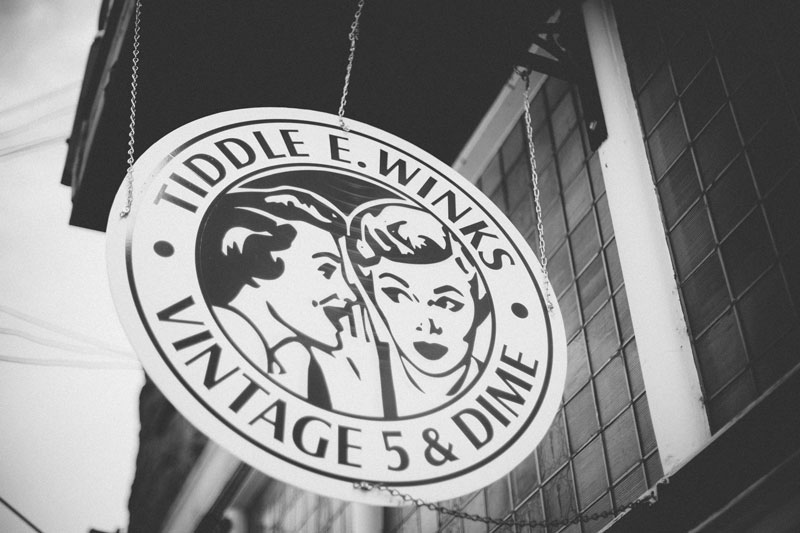 Tiddle E. Wink's store signage