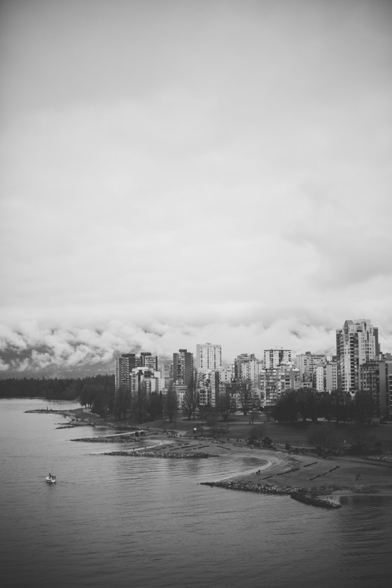 Monica-Galvan-Photography_Vancouver-British-Columbia-Canada_Sunset-Beach-Views-from-the-Burrard-Bridge_080