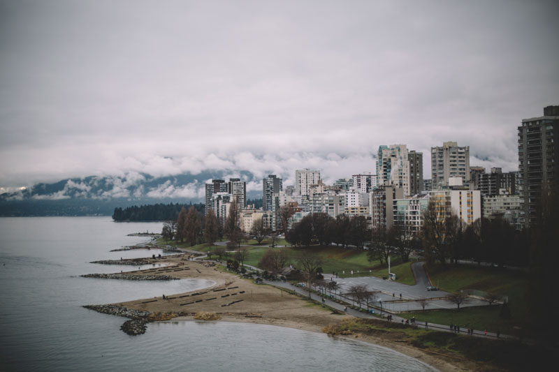 Monica-Galvan-Photography_Vancouver-British-Columbia-Canada_Sunset-Beach-Views-from-the-Burrard-Bridge_049