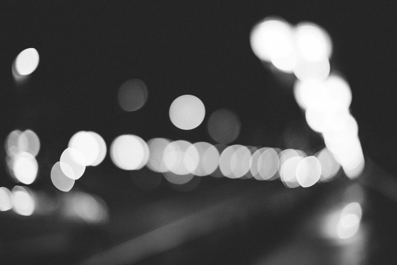 Monica-Galvan-Photography-Vancouver-British-Columbia-Canada-Bokeh-at-Night-from-the-Cambie_728
