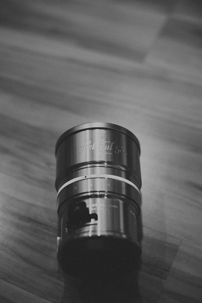 Lomography Petzval 58 Art Lens Unboxing