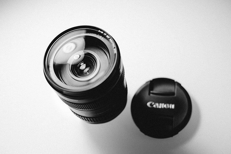 Canon zoom lens EF 24-105mm f/4 L IS USM